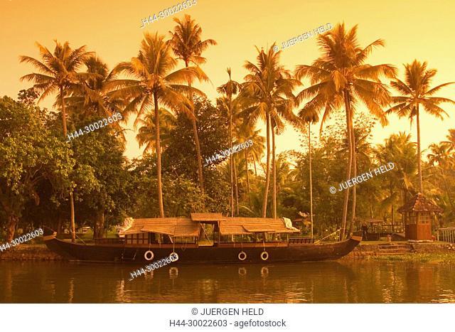 India Kerala house boat in backwaters