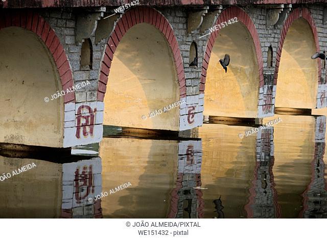 Bridge over Pichola lake
