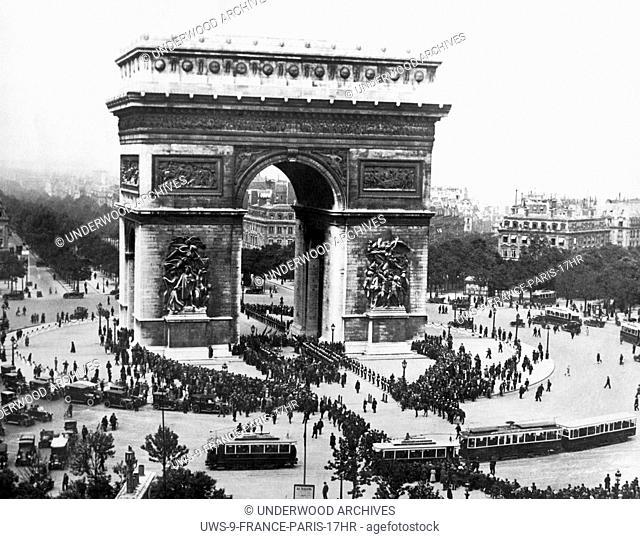 Paris, France: June 9, 1923. Memorial Day at the Arc de Triomphe de lEtoile at the western end of the Champs-Elysees in Paris
