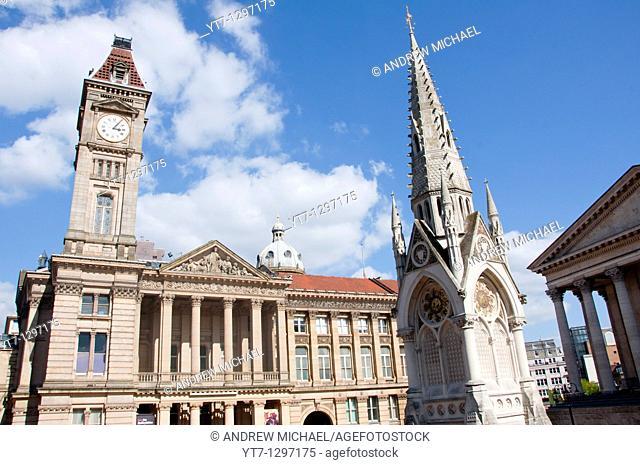 Birmingham's Chamberlain Memorial and City Museum & Art Gallery in Chamberlain Square, England