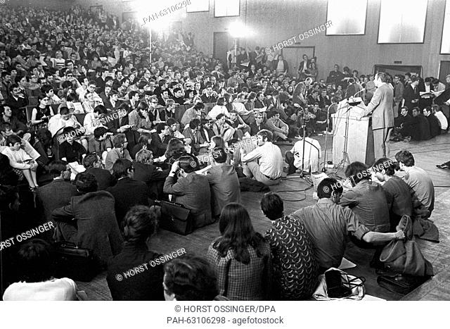 View of the lecture hall during a teach-in at Cologne University on 06 May 1969. About 2,000 students have gathered for a teach-in to discuss the Higher...