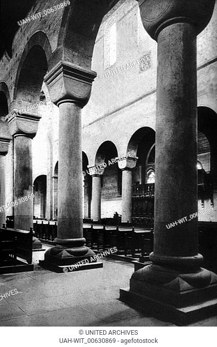 Christliche Baukunst in Deutschland. Das Langhaus der Klosterkirche des Klosters Alpirsbach im Schwarzwald., Sammlung Wittmann
