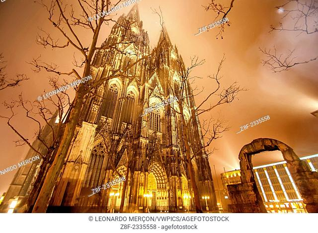 Cologne Cathedral illuminated at night