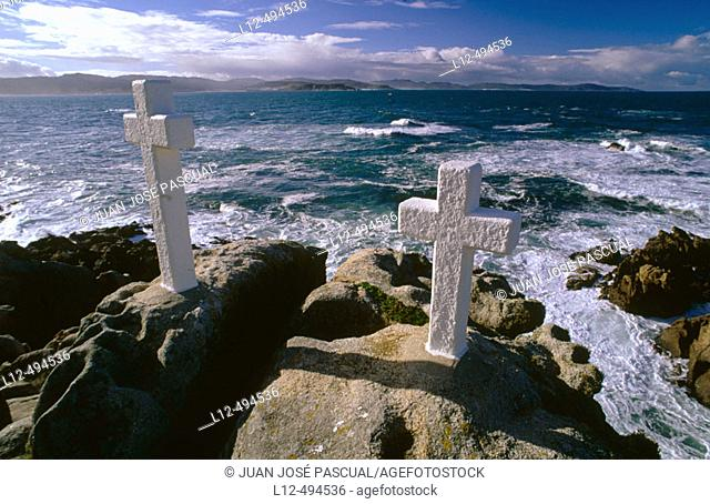 Death 'percebeiros' (barnacles fishermen) memorial crosses on Punta del Roncudo, Costa da Morte. La Coruña province, Galicia, Spain