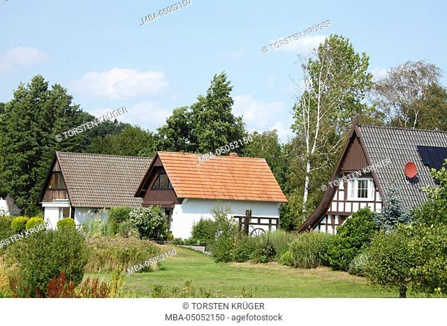 Lembruch, houses at Dümmersee