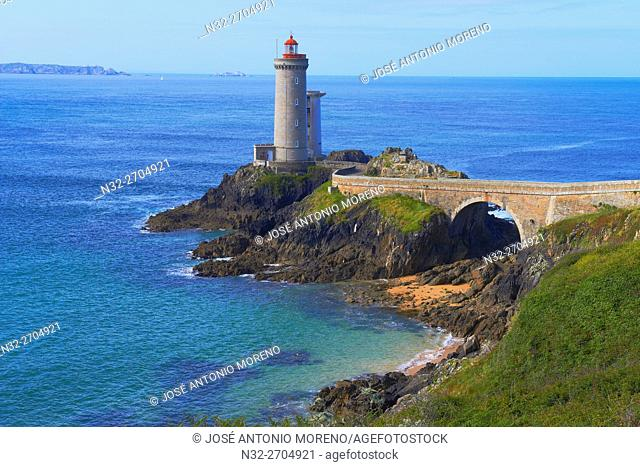 Petit Minou Lighthouse, Phare du Petit Minou, Iroise sea, Finisterre, Brittany, Bretagne, France, Europe