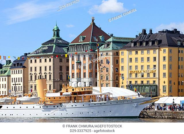 Sweden, Stockholm - Boats and ships outside the Old Town