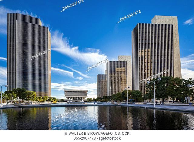 USA, New York, Hudson Valley, Albany, New York State Capitol, Rockefeller Empire State Plaza, legislative buildings