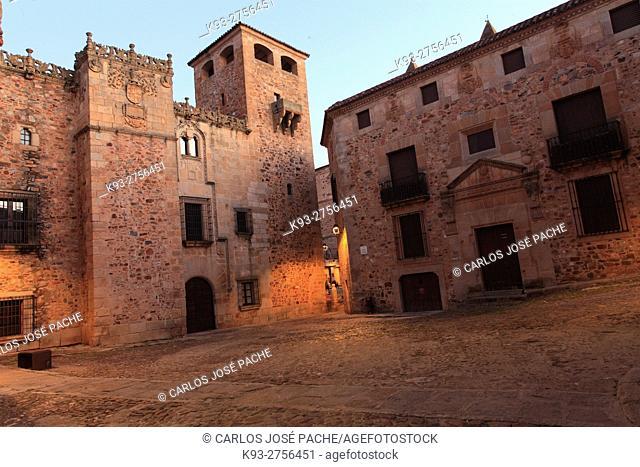 Plaza de los golfines y palacio de los golfines de abajo, Pconjunto historico de caceres