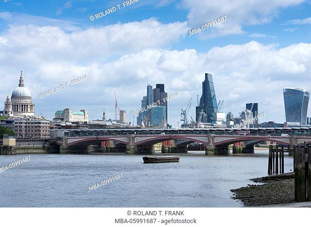 England, London, the Thames, finacial district City of London, financial centre