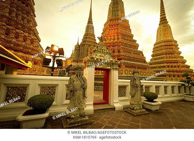 Chedi  Wat Pho temple  Bangkok, Thailand