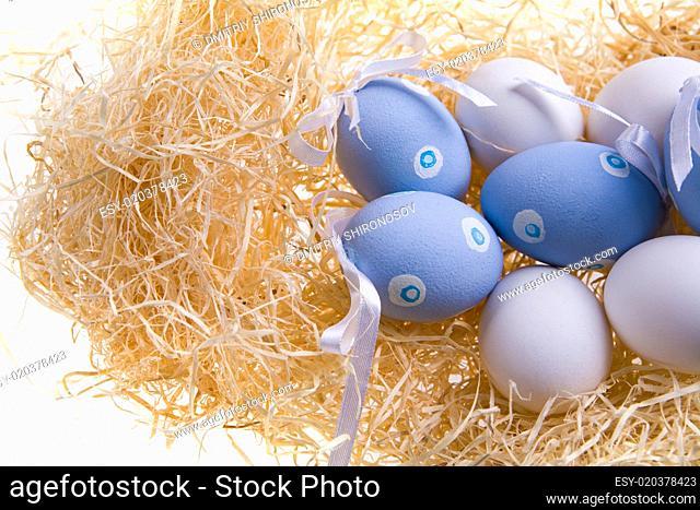 Several colored eggs