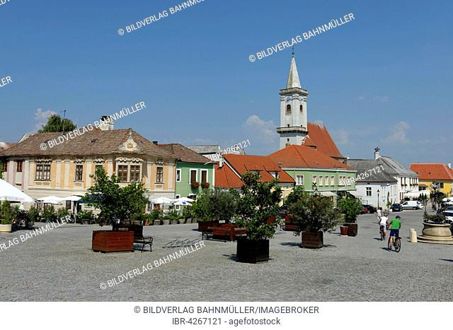 Town Hall Square with the church, the main square, Rust, Lake Neusiedl, North Burgenland, Burgenland, Austria