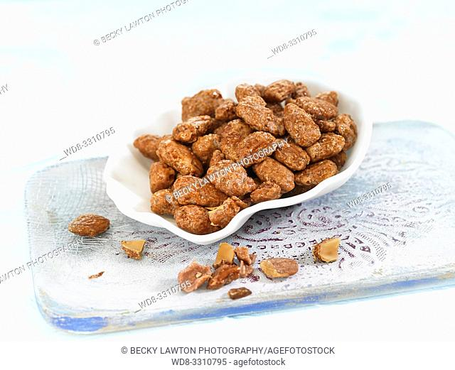 How to make almendras garrapiñadas (candied almonds). Part of a series: 7/7