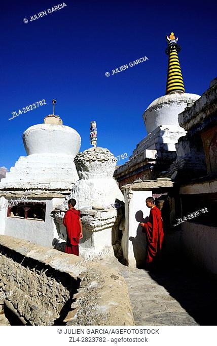 India, Jammu and Kashmir State, Himalaya, Ladakh, Indus valley, monks in the Buddhist monastery of Lamayuru (Yungdrung)