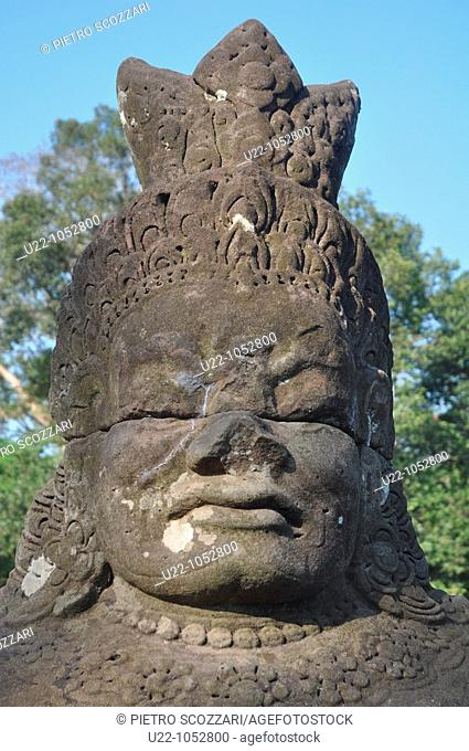 Angkor (Cambodia): statue at the Giants Causeway
