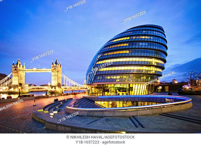 City Hall London & Tower Bridge