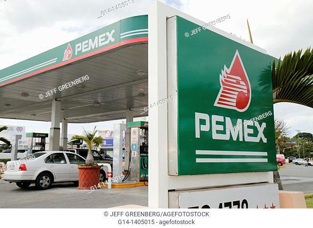 Mexico, Yucatán Peninsula, Quintana Roo, Cancun, Avenida Xcaret, Pemex, Petroleos Mexicanos, filling station, gasoline, petrol, fossil fuel, car, pump