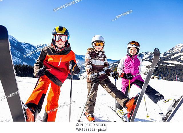 Ski holiday, Children in ski-wear, Sudelfeld, Bavaria, Germany