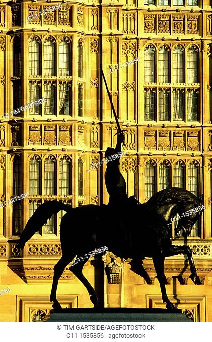 Richard the Lionheart statue Houses of Parliament Westminster London UK