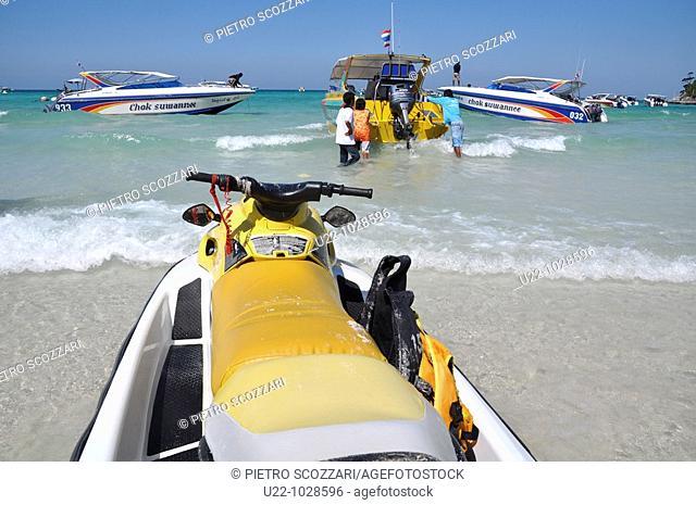 Pattaya (Thailand), Ta Waen beach, in Koh Larn island