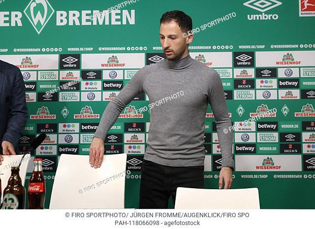 firo: 08.03.2019, Football, 2018/2019, 1.Bundesliga SV Werder Bremen - FC Schalke 04 4: 2 exchanged, disappointment, Domenico Tedesco at press conference |...