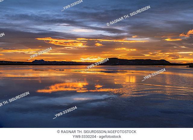 Winter, Lake Alfatjorn, Melrakkasletta, Northern Iceland