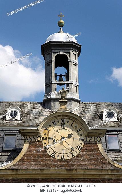 Clock built in 1710 in the castle courtyard, Nordkirchen Castle, known as the Westphalian Versailles, builder archbishop of Plettenburg