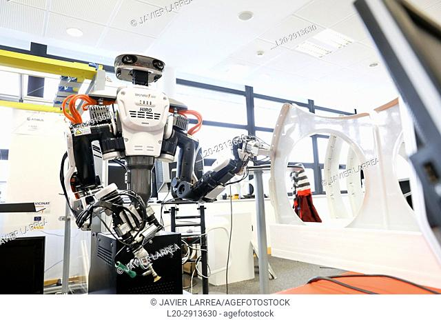 Robot with two arms for flexible robotics. Humanoid robot for automotive assembly tasks in collaboration with people, Industry, Tecnalia Research & innovation