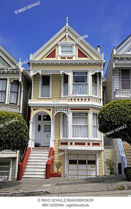 Victorian house, Painted Ladies, Alamo Square in San Francisco, California, USA, America