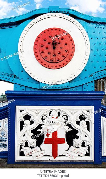 UK, London, Tower Bridge crest