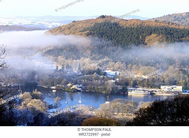 Windermere, Lake District, Winter, Lake Windermere, Pier, B?ume, Nebel, Dunst, Farbe, Farbe, Seeufer, Fell Foot Park, Nationalpark, Newby Bridge, See, Baum