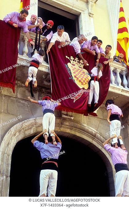 Jove Xiquets de Tarragona 'Castellers' building human tower, a Catalan tradition Diada de Santa Tecla  Plaça de la Font Tarragona, Castellers,Spain