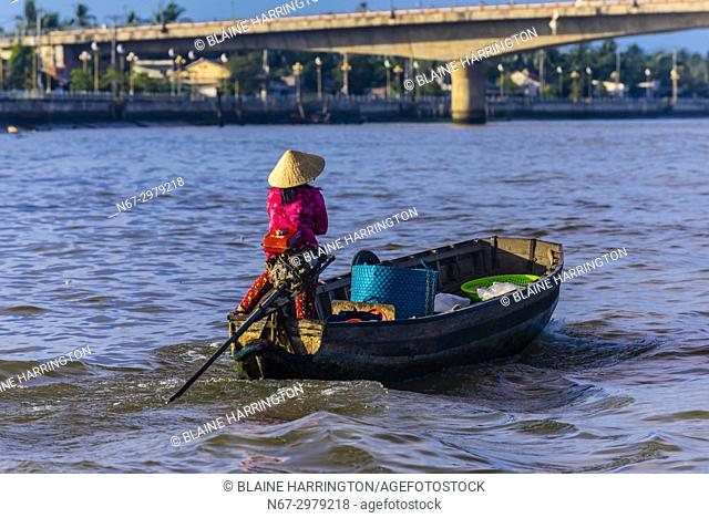 Boating to the Cai Rang Floating Market, Mekong Delta, Vietnam