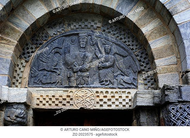 Door detail of the Romanesque church of the Assumption, Bossost, Lleida province, Catalonia, Spain