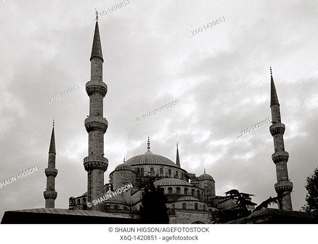 Setting sun at the Blue Mosque Sultan Ahmet Camii in Sultanhamet in Istanbul in Turkey in the Middle East