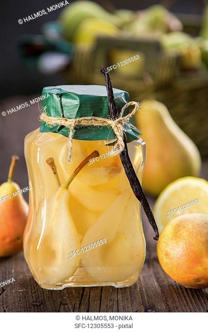 Vanilla-flavored stewed pears