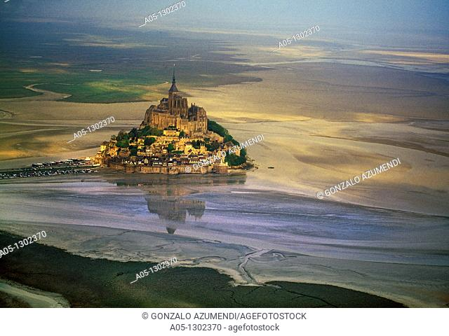 Mont Saint Michel, view with convent, built: 1017-1520, exterior view, Europe, Normandy, Benedictine abbey, monastery, World Heritage Site