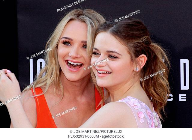 Hunter King and sister Joey King at the premiere of 20th Century Fox's Independence Day: Resurgence at TCL Chinese Theatre on June 20, 2016 in Hollywood