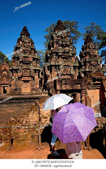tourists at the famous Banteay Srei, Angkor Wat