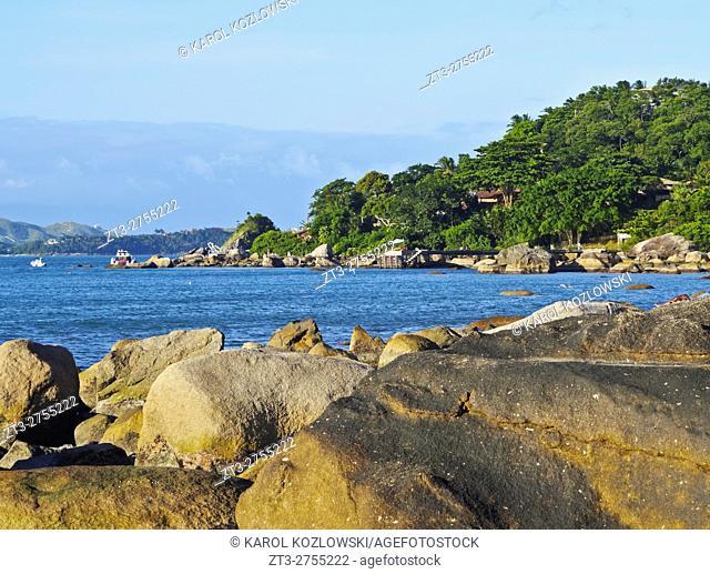 Brazil, State of Sao Paulo, Ilhabela Island, Rocks on the beach in Praia Grande.