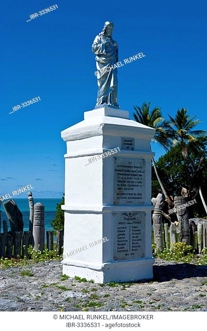 Traditional Christian statue, Île des Pins, New Caledonia, France