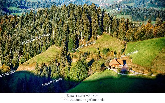 Farm, farmhouse, mountain court, Emmental, house, home, chalet, court, yard, hill scenery, canton Bern, Bern, scenery, agriculture, Langnau, Lüderenalp