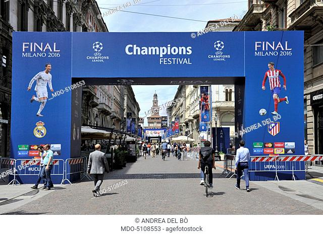 In Via Dante in Milan the Walk of Champions settled for the UEFA Champions League Final between Real Madrid and Atlético Madrid, which will be held on Saturday