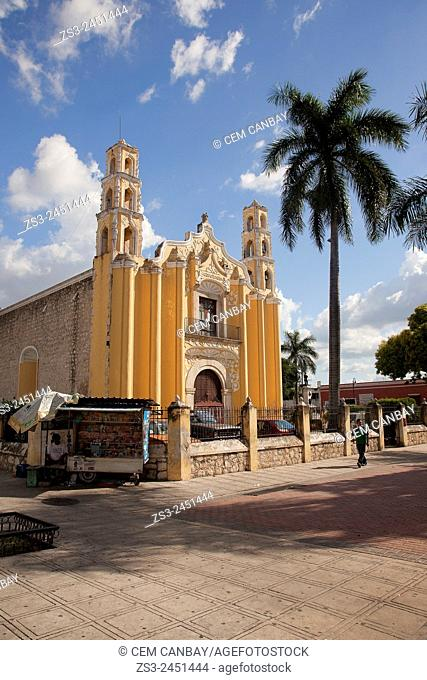 San Cristobal Church in town center, Merida, Yucatan Province, Mexico, Central America