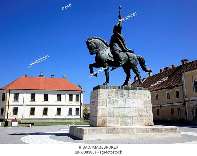 Equestrian statue of Mihai Viteazul, Michael the Brave, a national hero in the historical fortress of Alba Iulia, B?lgrad or Karlsburg, Alba Iulia, Balgrad