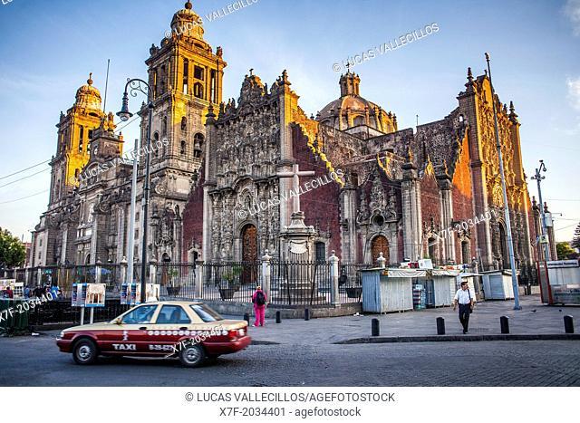 The Metropolitan Cathedral, in Plaza de la Constitución, El Zocalo, Zocalo Square, Mexico City, Mexico