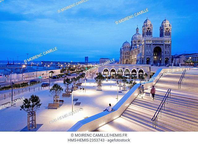 France, Bouches du Rhone , Marseille, Euromediterranee area, La Joliette district, Place des Arts and Euromediterranee boulevard