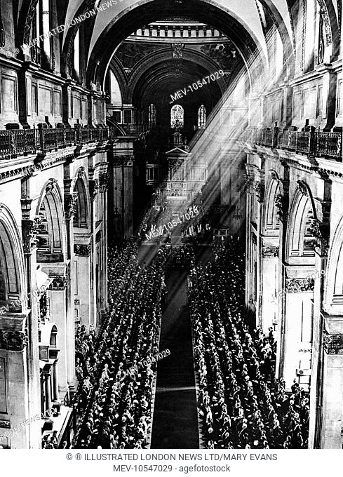 Sunlit St Paul's: in the cathedral during the Jubilee Service of Prayer and Thanksgiving: King George V and Queen Mary under the dome
