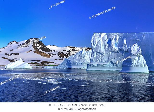 Icebergs in Admiralty Bay, South Shetland Islands, King George Island, Antarctica